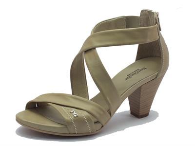 Sandali NeroGiardini per donna in pelle sabbia con tacco