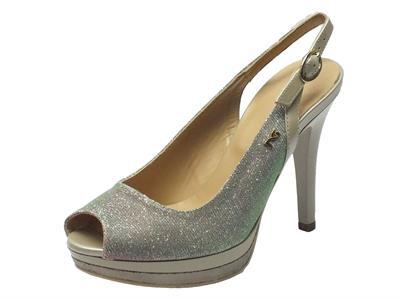 Articolo Sandalo NeroGiardini spuntato in glitter argento con tacco alto