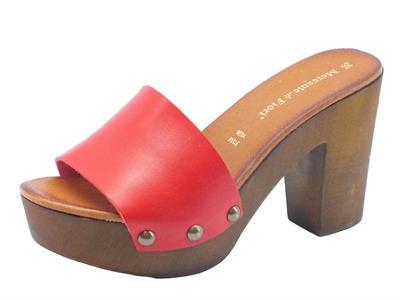Articolo Zoccoli per donna Mercante di Fiori in pelle rossa con tacco alto