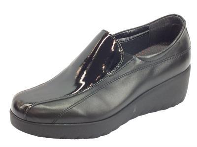 Cinzia Soft IR60819-SV mocassini con zeppa in pelle e vernice saffiano nero
