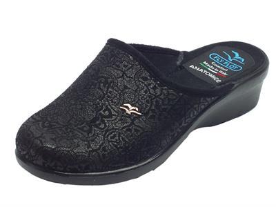 Articolo Pantofole Fly Flot per donna in tessuto nero con decorazione satinata