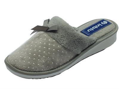 Articolo Pantofole InBlu in tessuto pile grigio con puntini grigio chiaro