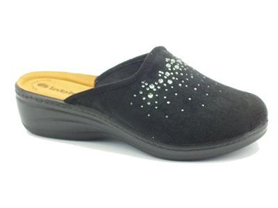 Articolo Pantofole per donna InBlu in tessuto nero con brillantini zeppa media