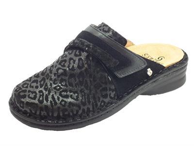 Articolo Sabatini 1843 Pantofole Donna in camoscio leopardato nero con sottopiede estraibile