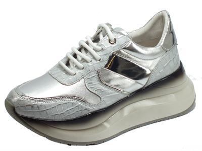 Articolo CafèNoir GDG801 Argento Sneakers Donna in pelle argento e bianca con zeppa alta