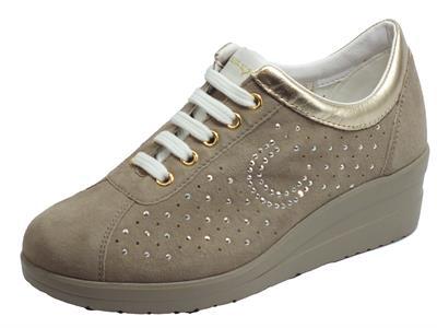 Articolo Cinzia Soft IV10427A Clay Platino Sneakers per Donna in nabuk beige zeppa alta