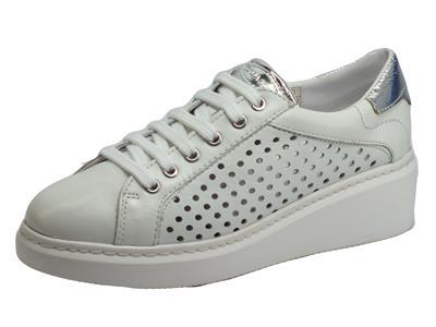 Articolo Cinzia Soft IV12339 Show White Sneakers per Donna in pelle traforata zeppa 5cm