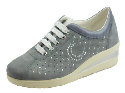 Articolo Cinzia Soft Sneakers in nabuk jeans con brillanti e zeppa alta