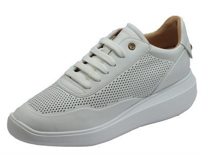 Articolo Geox D84APA Rubidia White Sneakers per Donna in pelle traforata bianca zeppa media