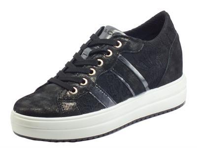 Articolo Igi&Co 7158100 Capra Pizzo Nero Sneakers per Donna in tessuto pizzo e pelle satinata con lacci
