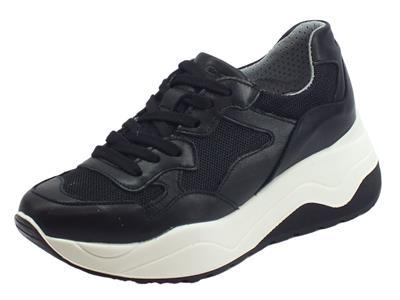 Articolo Igi&Co Sneakers per donna in pelle e rete nera modello sportivo zeppa alta