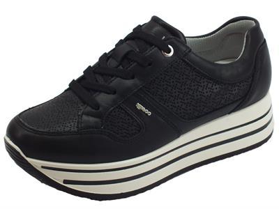 Articolo Igi&Co sneakers sportiva per donna in pelle nera zeppa alta