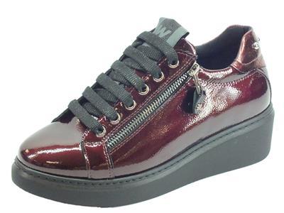 Articolo Melluso Walk Techno R25425 Aurora Sneakers Bordò per Donna in vernice con lampo e lacci