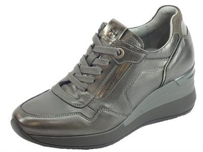 Articolo NeroGiardini A908861D Nappa Pandora Antracite Sneakers Donna lacci lampo pelle zeppa alta