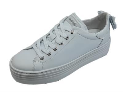 Articolo NeroGiardini E010700D Skipper Bianco Sneakers per Donna con zeppa bassa in pelle