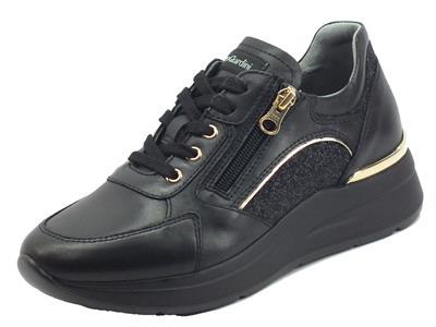 Articolo NeroGiardini I013183D Guanto Glitter Nero Sneakers per Donna pelle nera lacci lampo zeppa media