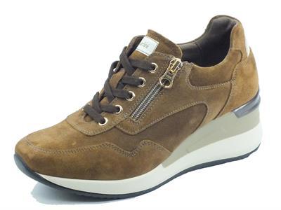 Articolo NeroGiardini I116872D Velour Malto Sneakers Donna in nabuk con zeppa alta