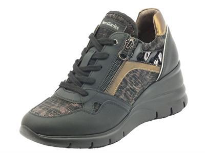 Articolo NeroGiardini I116883D Gommato Nero Sneakers  Donna in gomma con lacci e lampo zeppa alta
