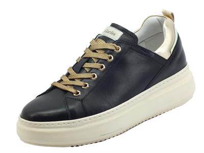 Articolo NeroGiardini I117050D Guanto Nero Sneakers Donna in pelle zeppa bassa