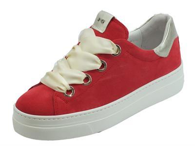 Articolo Sneakers basse NeroGiardini per donna in camoscio colore rosso lacci in raso