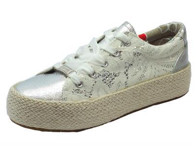 Articolo Sneakers CafèNoir per donna in macramè bianco argento zeppa in corda