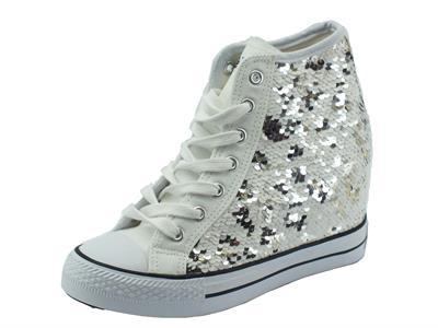 Sneakers CafèNoir per donna in paiettes bianco argento zeppa interna