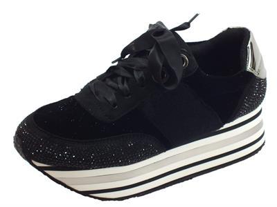Articolo Sneakers CafèNoir per donna in tessuto nero con strass zeppa alta