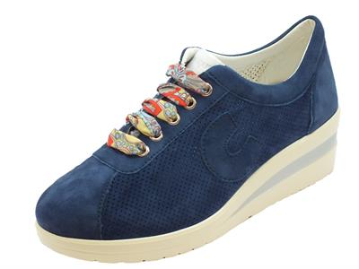 Sneakers Cinzia Soft per donna in nabuk blue zeppa media
