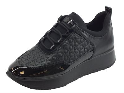 Articolo Sneakers Geox Gendry per donna in pelle e sintetico nero zeppa bassa