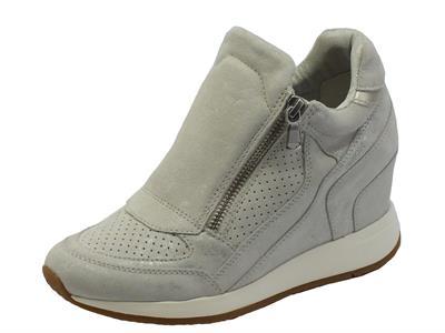 Sneakers Geox per donna in camoscio bianco effetto argento con lampo
