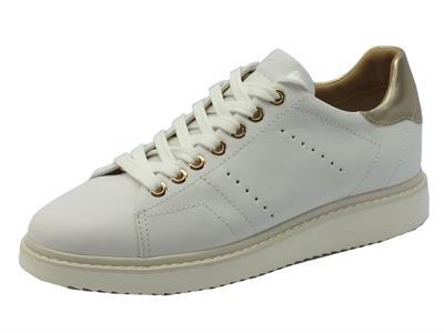 Articolo Sneakers Geox per donna in pelle bianca con zeppa