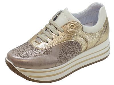 Sneakers Igi&Co per donna in pelle perlata taupe zeppa interna