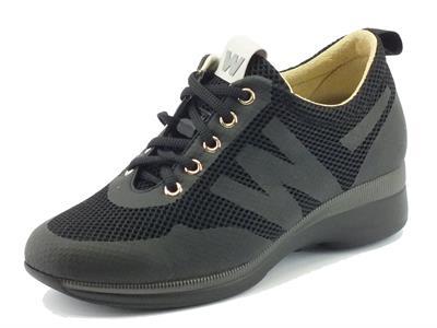 Sneakers Melluso per donna in tessuto tecnico nero