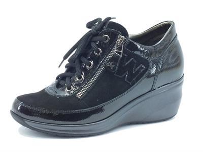 Articolo Sneakers Melluso Walk in vernice e camoscio nero