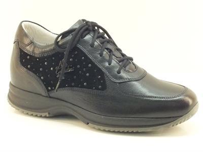 Sneakers Nero Giardini per donna in pelle e camoscio nero