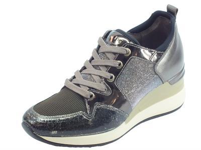 Articolo Sneakers NeroGiardini in laminato bronzo e pelle martellata nera tessuto argento