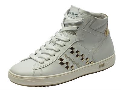 Articolo Sneakers NeroGiardini in pelle bianca e doppia chiusura tramite lacci e lampo