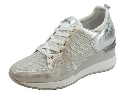 Articolo Sneakers NeroGiardini in pelle effetto nuvola e craccato argento ed acciaio