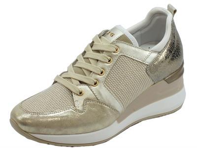 Articolo Sneakers NeroGiardini in pelle effetto nuvola e craccato crema e platino