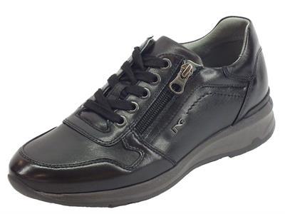 Articolo Sneakers NeroGiardini in pelle nera zeppa 4cm con lampo e lacci