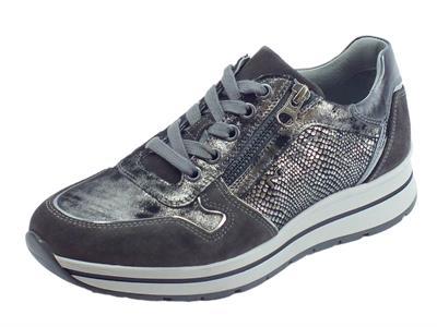 Articolo Sneakers NeroGiardini per donna camoscio carbone ed ecopelle carbone inox con lacci e lampo
