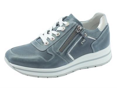 Sneakers NeroGiardini per donna in pelle blu jensato con lacci e lampo