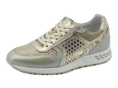 Articolo Sneakers NeroGiardini per donna in pelle e camoscio platino e beige