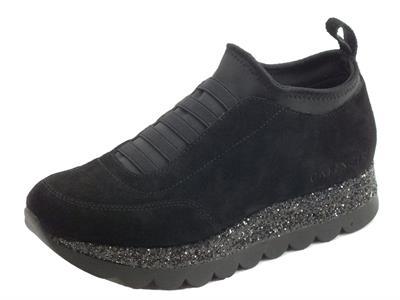 Articolo Sneakers per donna Cafè Noir in camoscio nero con calzata veloce
