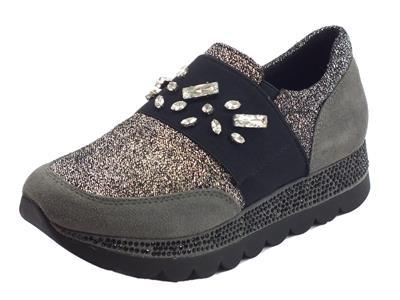 Articolo Sneakers per donna Cafè Noir in tessuto nero-argento e camoscio grigio