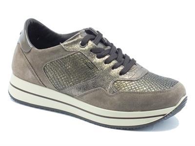 Articolo Sneakers per donna Igi&Co in camoscio e pelle beige oro effetto pitonato