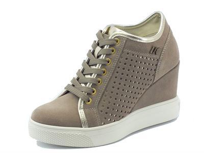 Sneakers per donna Lumberjack in nabuk traforato taupe zeppa alta