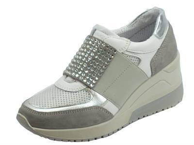 Articolo Sneakers senza lacci Igi&Co per donna in scamosciato e tessuto perla e grigio zeppa alta