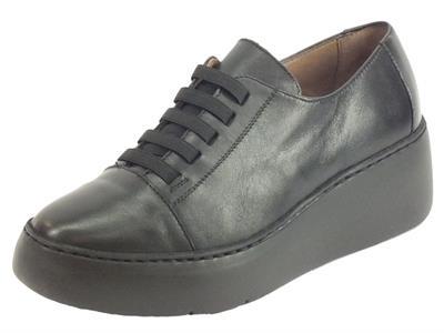 Articolo Wonders A-8338 Velvet Negro Sneakers Donna in pelle nero con allaccio rapido
