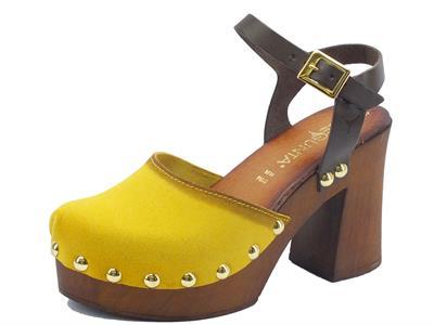 Articolo Zoccolo Pregunta per donna in camoscio giallo ocra tacco alto